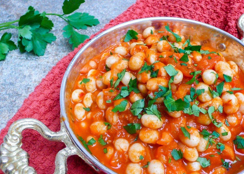 Kuru fasulye - tyrkiske bønner i tomatsaus