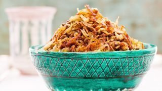 Krydret ris med grønne linser og karamellisert løk (Mujadarrah)