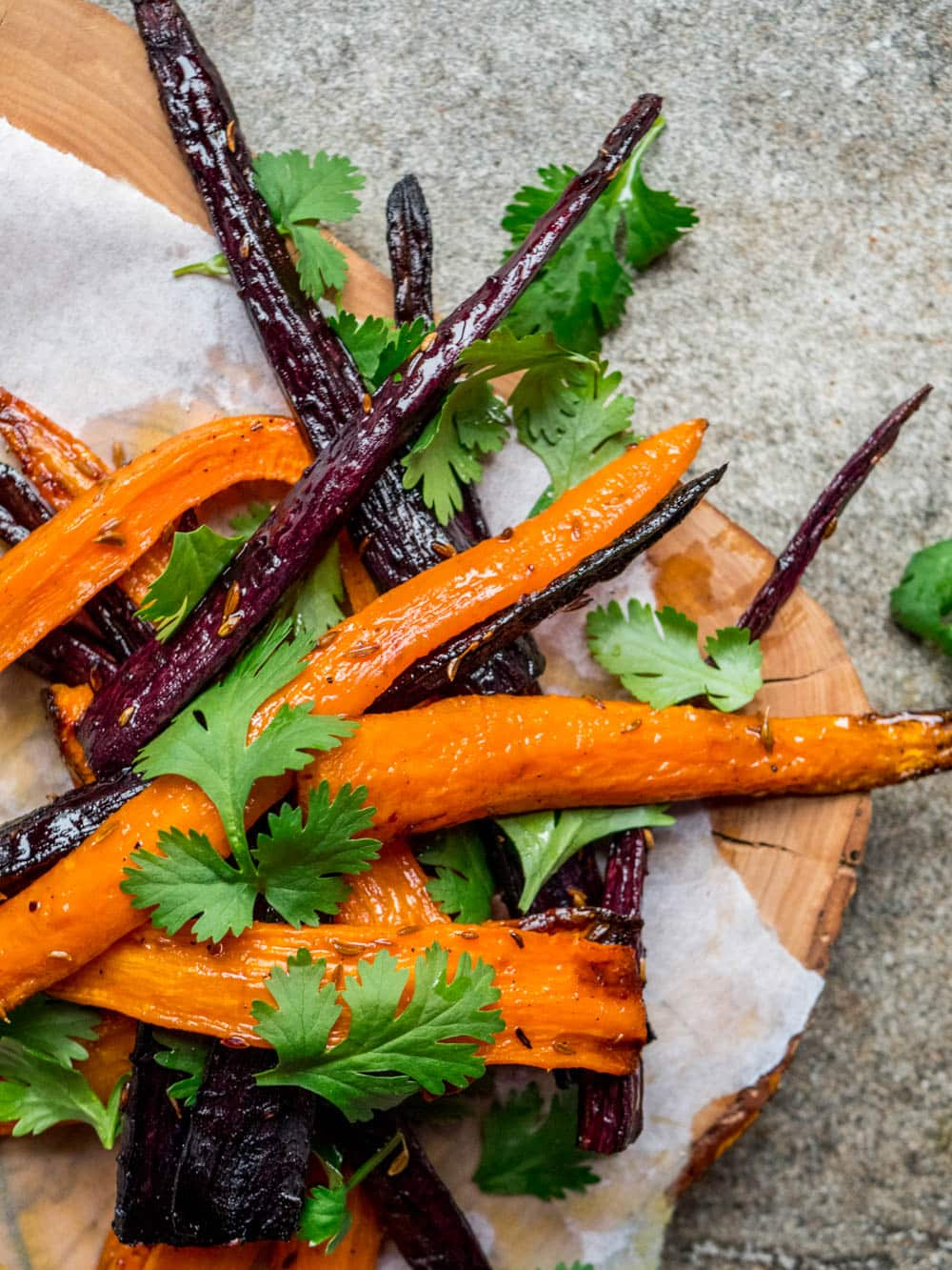 Bakt gulrotsalat med koriander - oppskrift / Et kjøkken i Istanbul