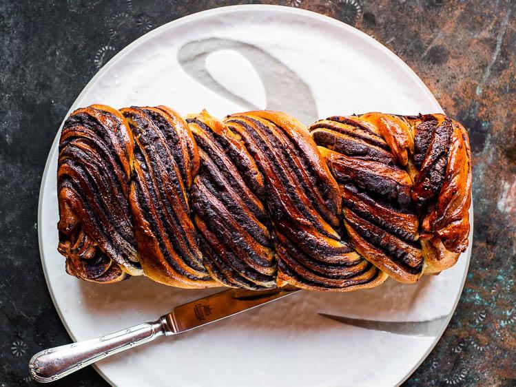 Babka ovenfra - flettebrød med sjokolade og tahini