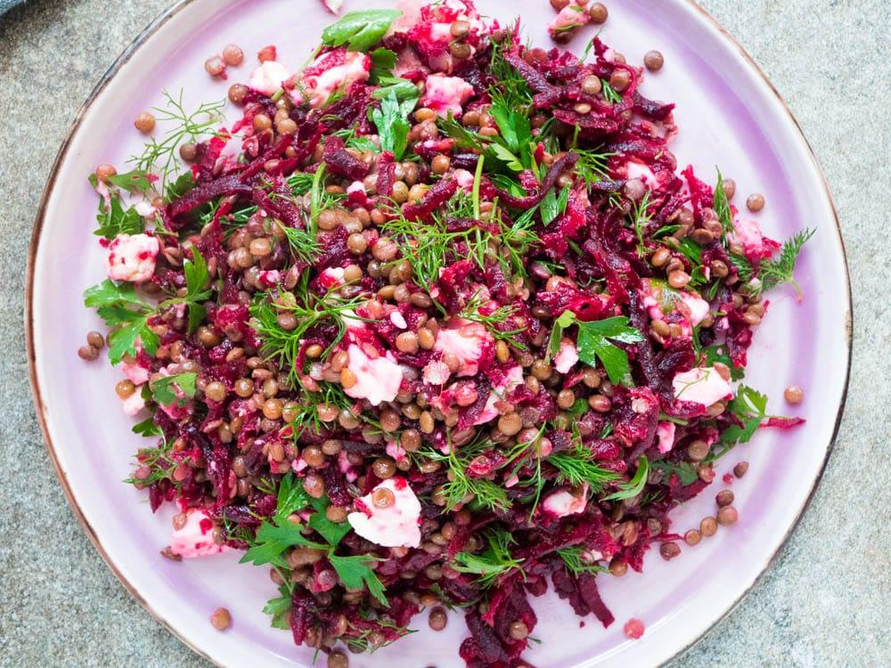 Linsesalat med rødbeter og fetaost - oppskrift / Et kjøkken i Istanbul