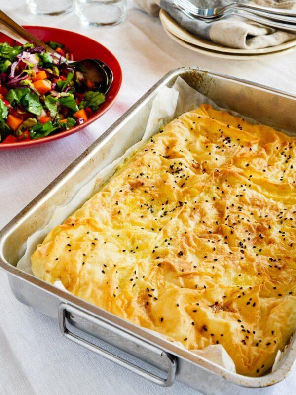 Hverdagens børek med ost i liten langpanne – oppskrift / Et kjøkken i Istanbul