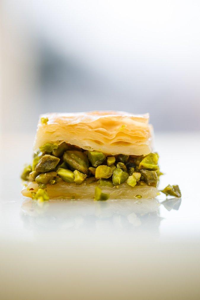 Baklava - oppskrift - Hummus & granateple av Vidar Bergum. Foto: Bahar Kitapcı