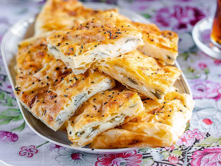 Børek med fetaost i langpanne fra Aubergine & tahini