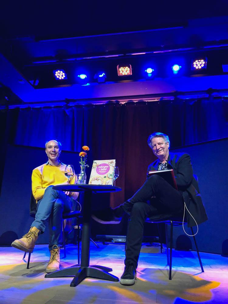 Vidar Bergum og Knut Gørvell på scenen på Boktips Live