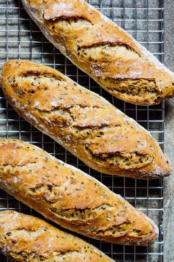 Eltefritt brød med linfrø og ristede solsikkefrø - oppskrift / Et kjøkken i Istanbul